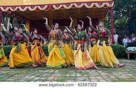 Women Dancers Performing In Holi Celebration, India