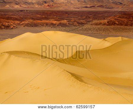 Dawn on Mesquite Dunes in Death Valley