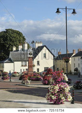 Twyn Square Floral Display