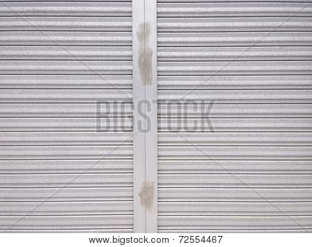 Metal Shutter Door Pattern With Vertical Frame In Middle