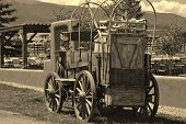 foto of covered wagon  - Old chuck wagon from the late 1800 - JPG