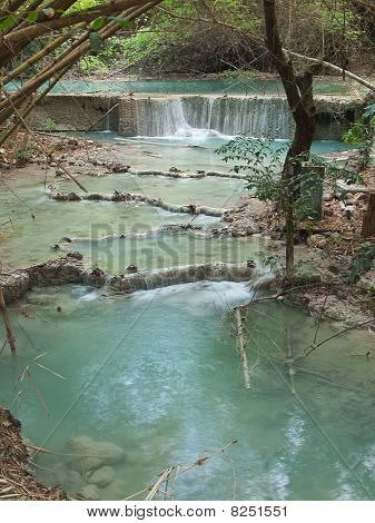 Wang Kan Lueang Waterfall