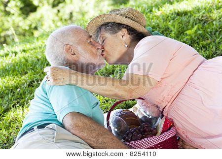 Picnic Seniors Smooch