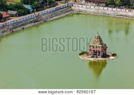 Temple Tank with mandapa of Lord Bhakthavatsaleswarar Temple. Built by Pallava kings in 6th century. Thirukalukundram (Thirukkazhukundram), near Chengalpet. Tamil Nadu, India