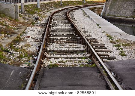Railway for trains on freight terminal