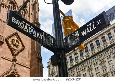 Broadway And Wall St, Manhattan