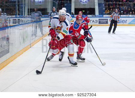 O. Vaanaanen (4) And A. Kuzmenko (96)