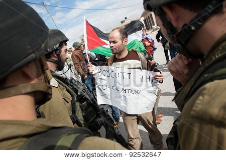 'Boycott the occupation' Palestinian protest