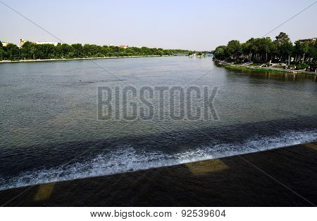 View from Arch Siosepol, Sio-se Bridge in Esfahan, Iran