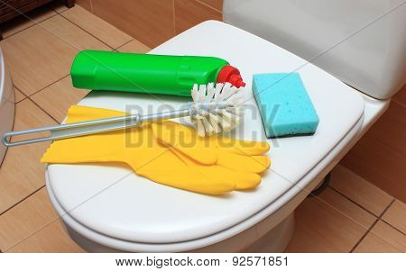 Accessories For Cleaning Toilet Bowl