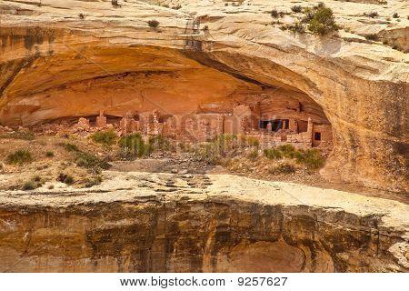 Cliff Dwelling Ruins at Utah's Butler Wash