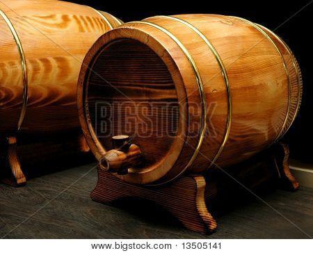 barriles de vino elegantes