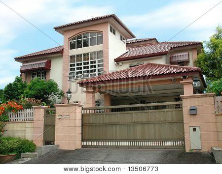 modernes, großes Haus