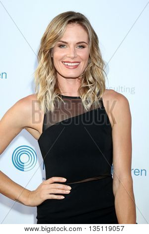 LOS ANGELES - JUN 18: Lauren Shaw at the Stand For Kids Gala at the Twentieth Century Fox Studios Lot on  ,  June 18, 2016 in Century City, CA