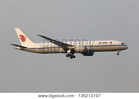 Air China Boeing 787-9 Dreamliner Airplane Beijing Airport