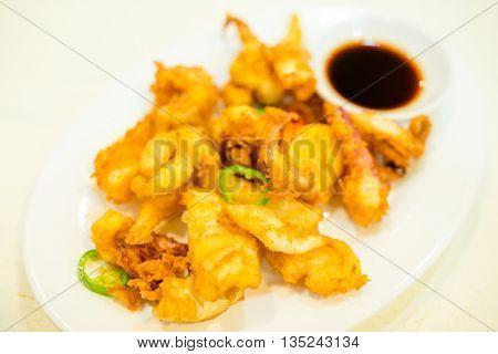 Fried calamari rings
