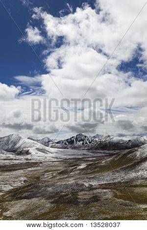 tibet: milha mountain pass