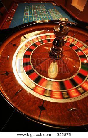Revolve Roulette