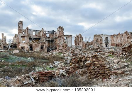 Belchite is a town in the province of Zaragoza Spain. Is known to have been the scene of one of the symbolic battles of the Spanish Civil War the Battle of Belchite. Now it is abandoned.