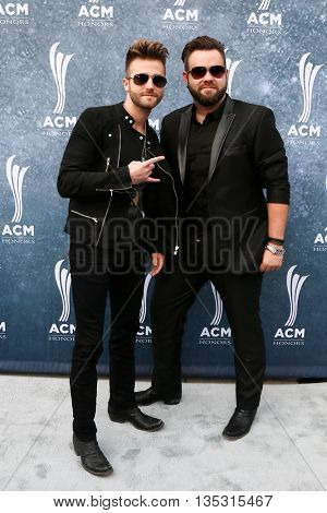 NASHVILLE, TN-SEP 1: Colton Swon (L) and Zach Swon of the Swon Brothers attend the 9th Annual ACM Honors at the Ryman Auditorium on September 1, 2015 in Nashville, Tennessee.