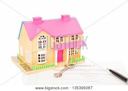 house and keys on a white background