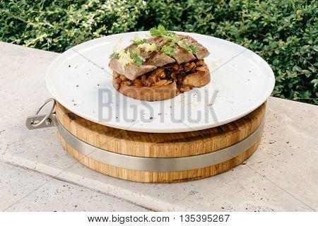 Tenderloin of pork with Ratatouille in bread