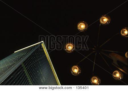 Gebäude und Lampe