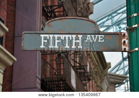 Street sign on the corner of Fifth avenue New York