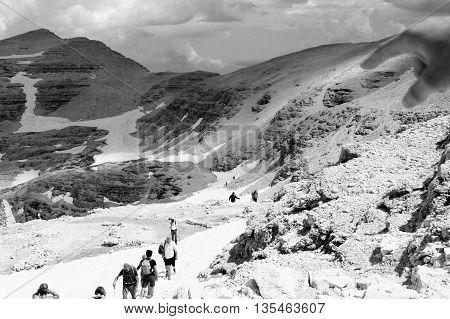 Escursione sulle Dolomiti Piana del passo pordoi