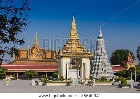 New Golden temple in Phnom Penh Cambodia