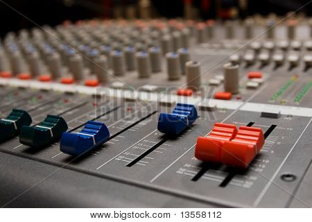 Studio Sound Mixer Details