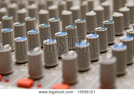 Studio sound-Mixer Informationen