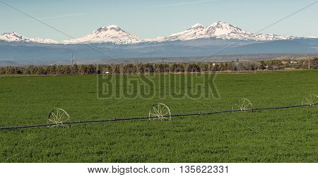 Three Sisters Stands Majestic Oregon Cascade Mountain Range