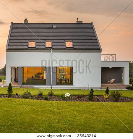 Modern Home With Garden