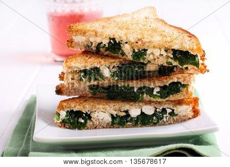 Spinach and feta cheese grilled wholemeal sandwiches