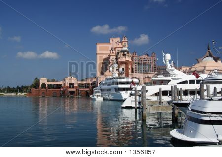 Luxury Marina And Resort