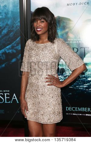 NEW YORK-DEC 7: Actress Aisha Tyler attends the New York premiere of