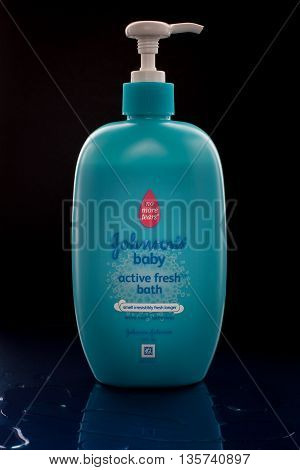 KUALA LUMPUR, MALAYSIA. MAY 30, 2016 : Bottle of Johnson & Johnson Baby Active Fresh Bath.Johnson & Johnson is an American company founded in 1866