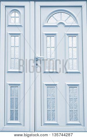 blue paint door in home