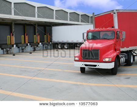 A photo of a loading and unloading warehouse