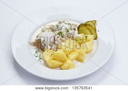 potato with cutlets