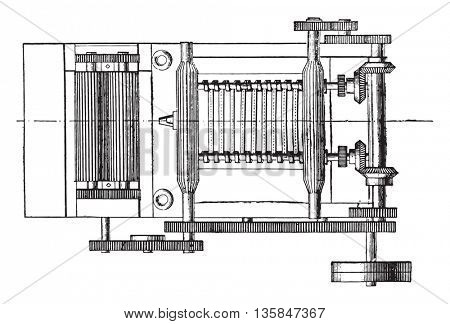 Drawing roller, Spur gears movement of food cylinder, Spur gears, movement of the cinnamon, Online course of the ribbon, vintage engraved illustration. Industrial encyclopedia E.-O. Lami - 1875.
