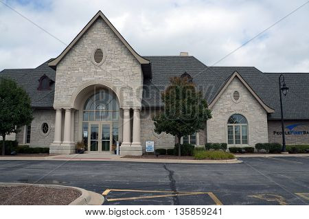 SHOREWOOD, ILLINOIS / UNITED STATES - AUGUST 30, 2015: The People First Bank offers banking services and safe deposit boxes in Shorewood.
