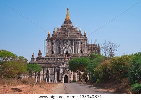Ancient Thatbyinnyu Buddhist Temple Sabbannu or the Omniscient is a famous temple in Bagan Myanmar. Built in the 12th century 61 metres tall the tallest in Bagan.