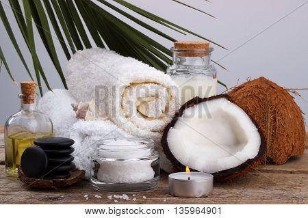 Spa Setting And Health Care Items, Coconut,body Oil,bath Salt,mi