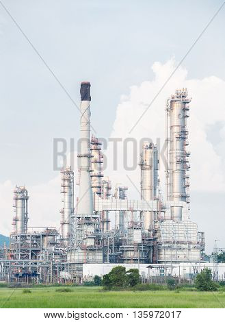 Oil Refinery Plant in filed
