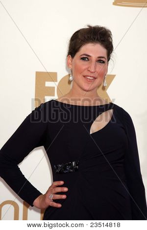 LOS ANGELES - SEP 18:  Mayim Bialik arriving at the 63rd Primetime Emmy Awards at Nokia Theater on September 18, 2011 in Los Angeles, CA