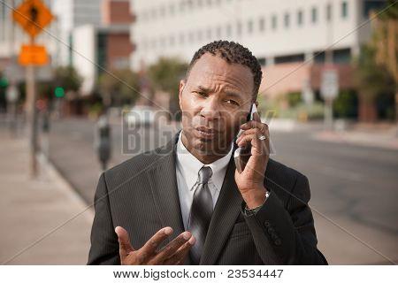 Empresário sobre o telefonema