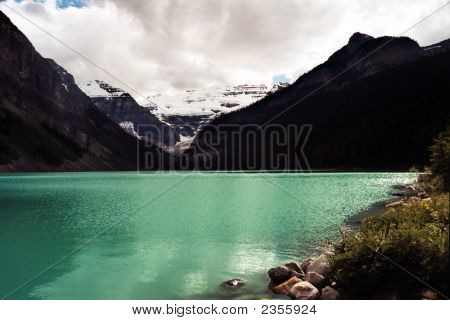 Lake Louise A Paradise In Your Eyes