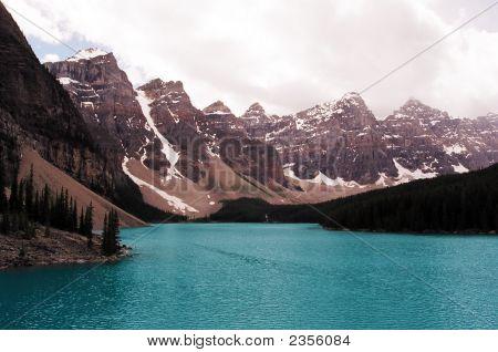 Morraine Lake Canadian Rockies
